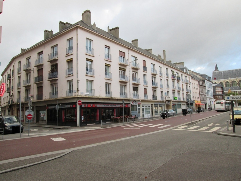 local commercial a louer a rouen rive droite proximite quai de seine teor et hyper centre ville